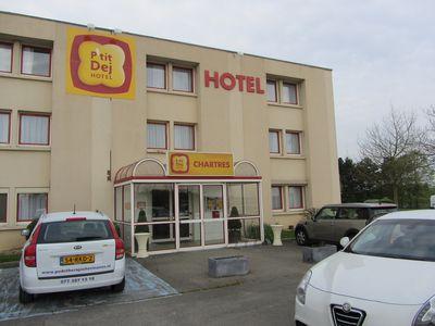 Hotel P'tit Dej-Hotel Chartres