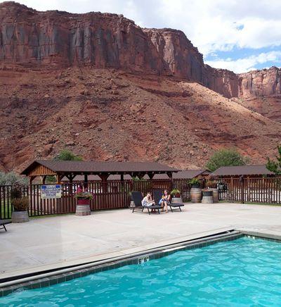 Hotel Red Cliffs Adventure Lodge
