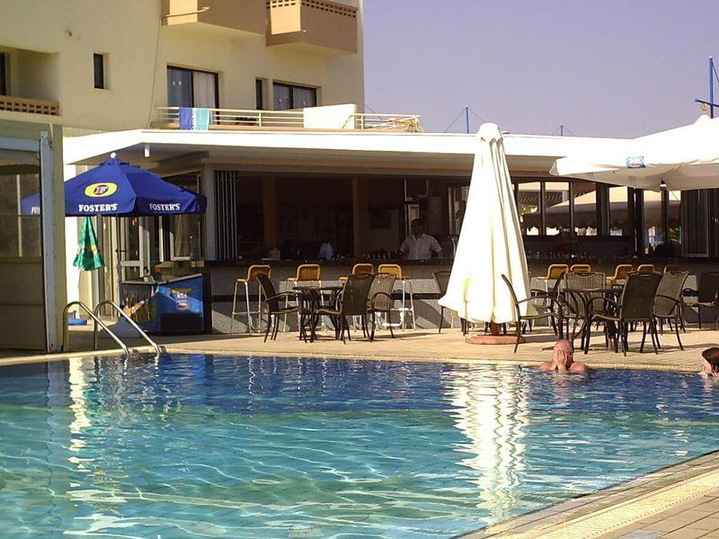 Hotel Limanaki