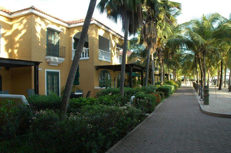 Hotel Harbour Village Beach Club