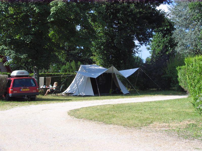 Camping Le Lac De Pont In Pont Et Massene Cote D Or