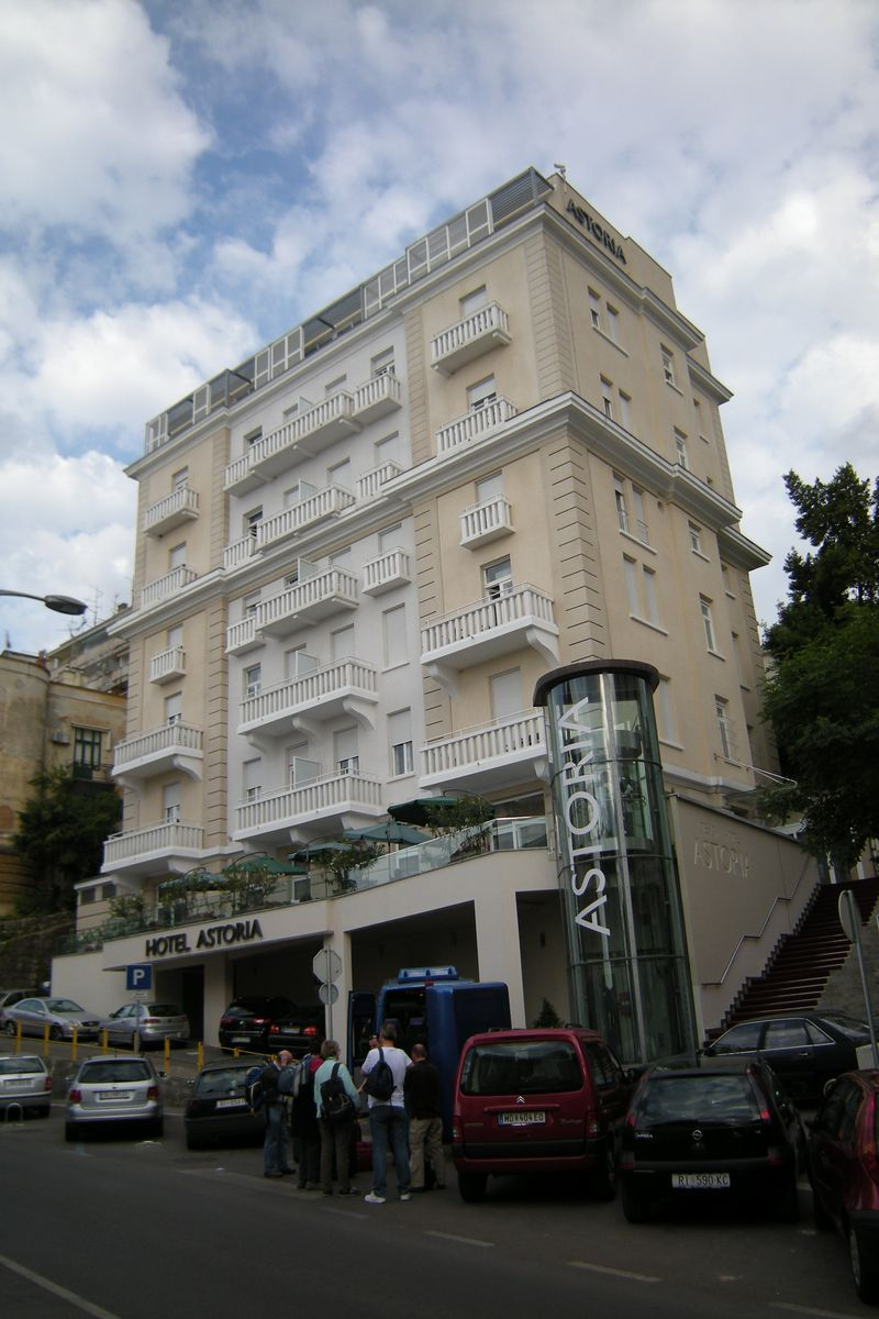 Hotel astoria design in opatija kroati reviewcijfer 8 for 8 design hotel