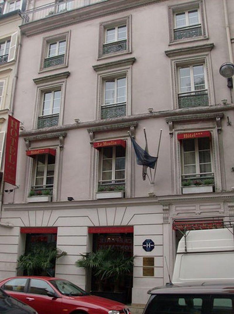 Hotel Le Moulin Plaza Paris