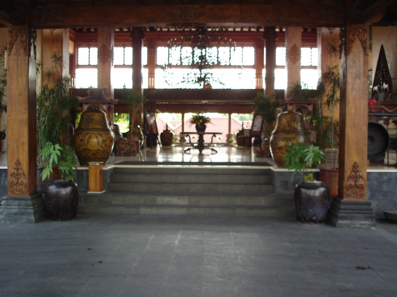 Hotel Laras Asri Resort & Spa