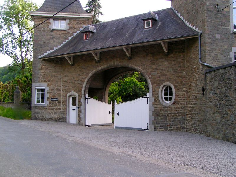 Bed and Breakfast Petit Château Les Tourelles