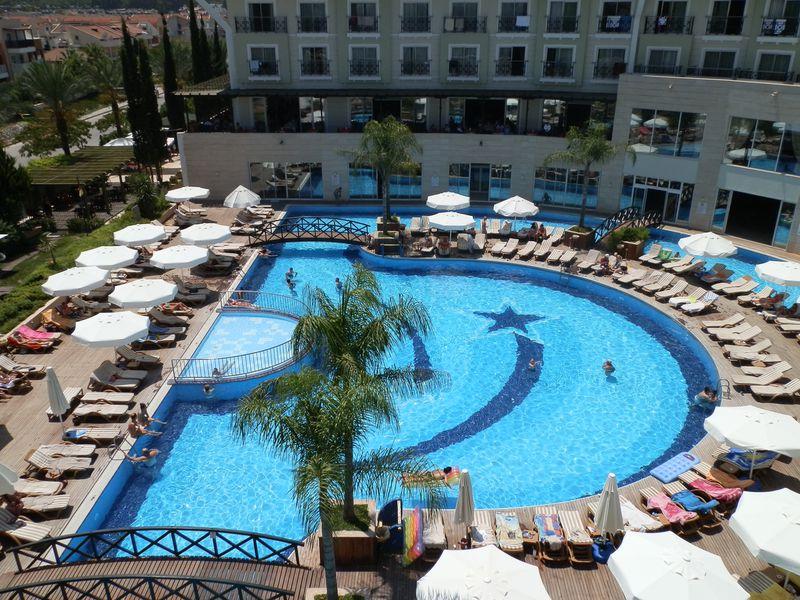 Hotel Meder Resort