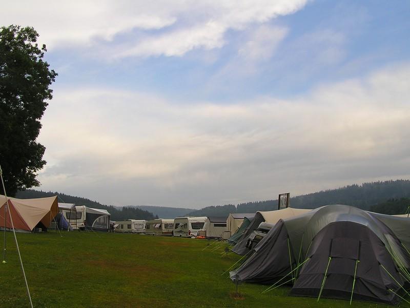 zicht op de camping vanuit plek nr 1