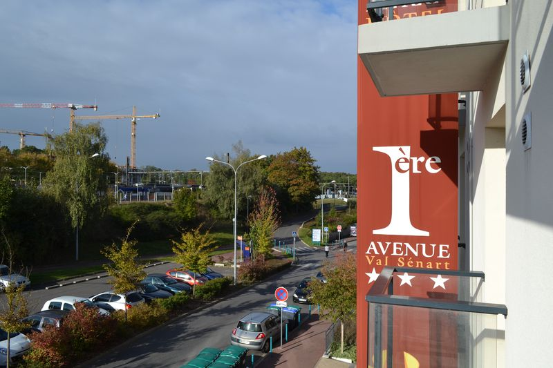 Hotel 1Ere Avenue Val Senart