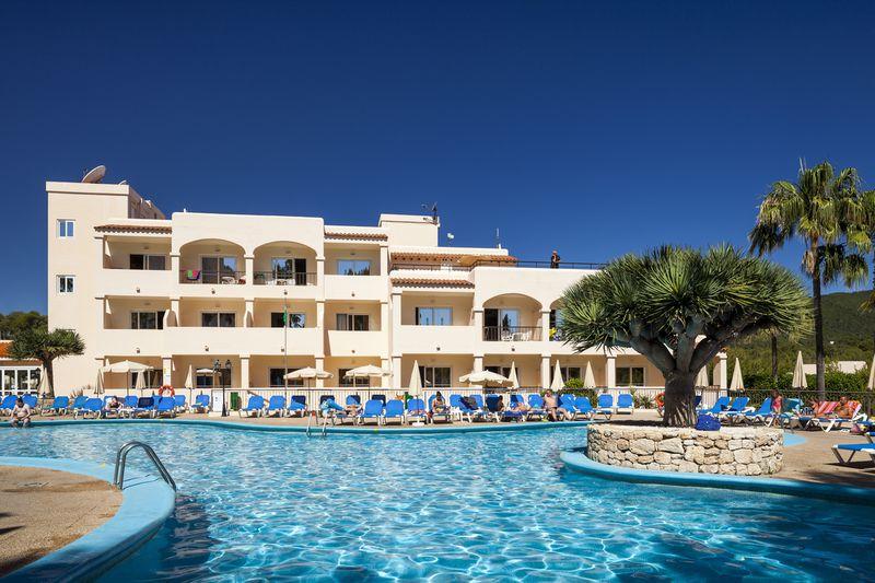 Aparthotel Invisa Es Figueral Resort - Club Cala Blanca