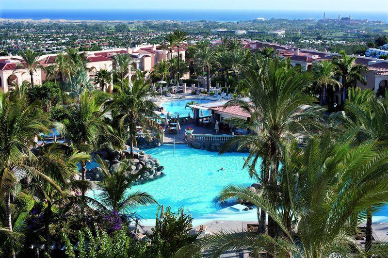 Hotel Palm Oasis Resort