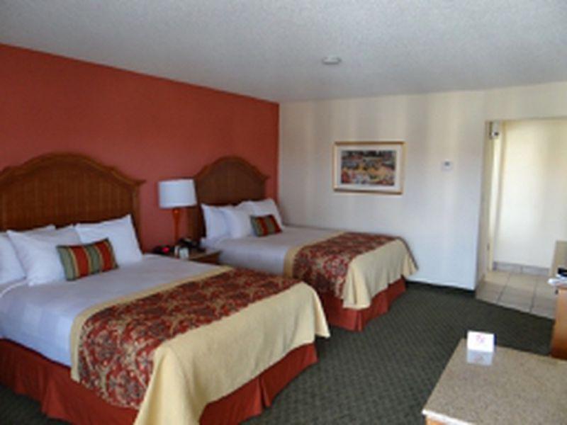 Hotel Best Western A Wayfarer's Inn & Suites