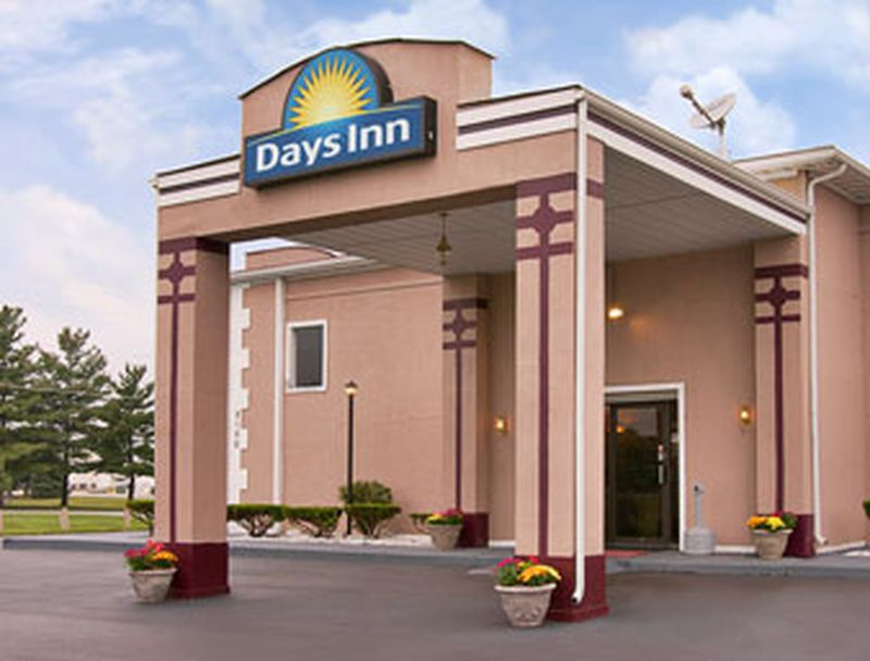 Hotel Days Inn Indianapolis N. Post Road, IN