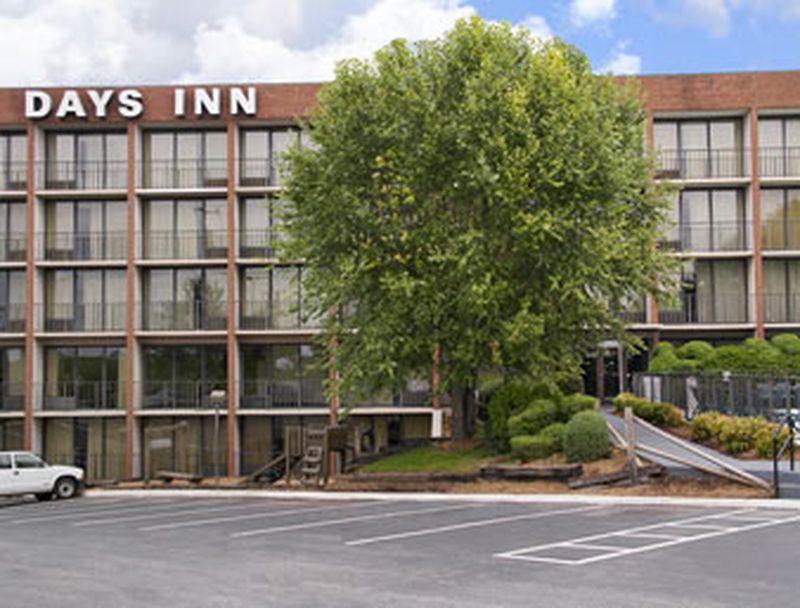 Hotel Days Inn Lynchburg at River Ridge Mall, VA