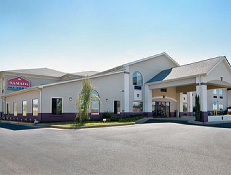 Hotel Ramada Limited Locust Grove, GA