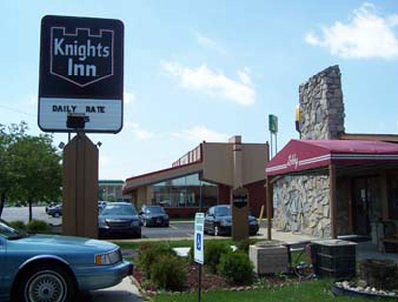 Hotel Knights Inn Rossford Toledo South, OH