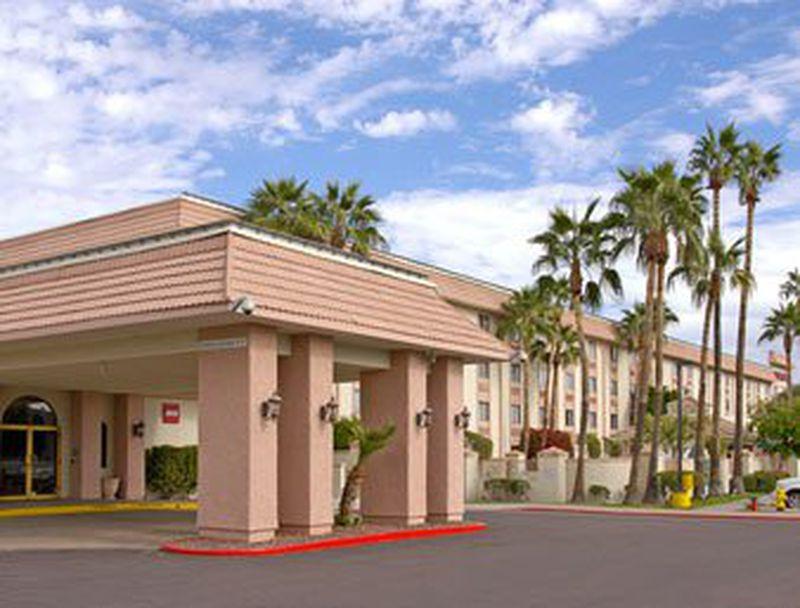 Hotel Ramada Plaza Phoenix Metrocenter