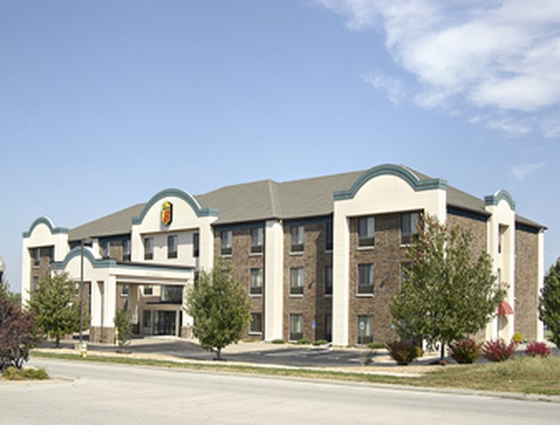 Hotel Super 8 Lees Summit, MO