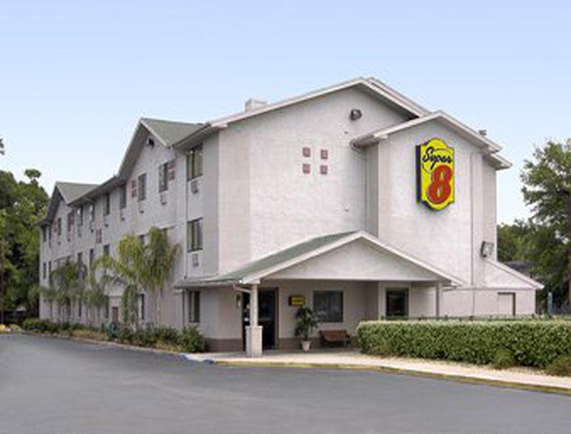 Hotel Super 8 Leesburg, FL