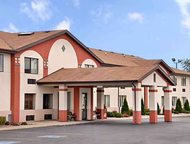 Hotel Super 8 Plymouth, IN