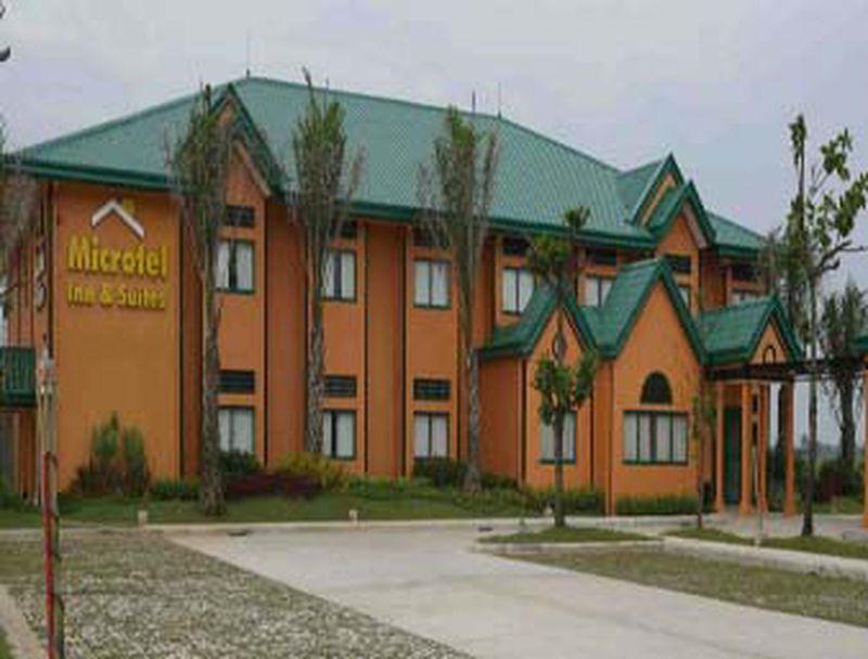 Hotel Microtel Inn & Suites Cabanatuan