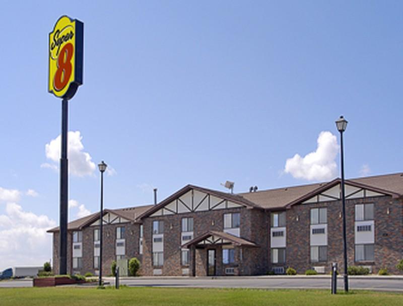 Hotel Super 8 Perham, MN