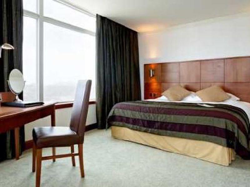 Hotel Mercure Cardiff Holland House & Spa