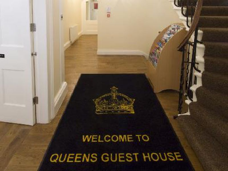 Bed and Breakfast Queens Guest House