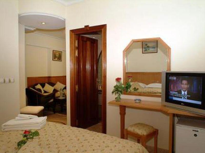 Hotel Zahrat Al Jabal