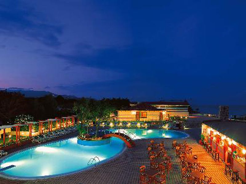 Hotel Trevi Village Resort