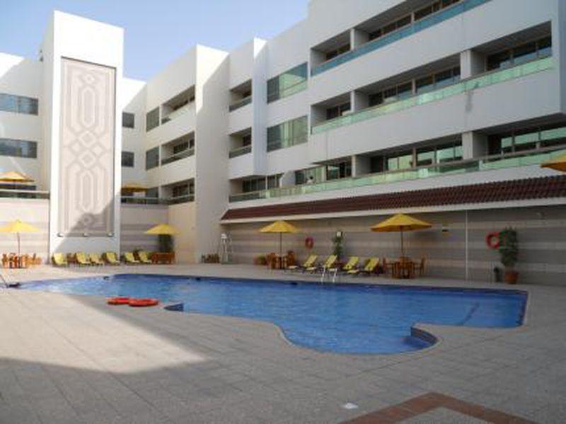 Aparthotel Oasis Court