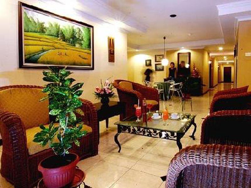 Hotel Losari Beach Inn