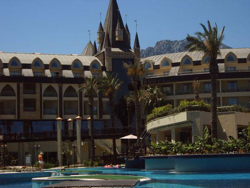 Hotel Le Chateau de Prestige
