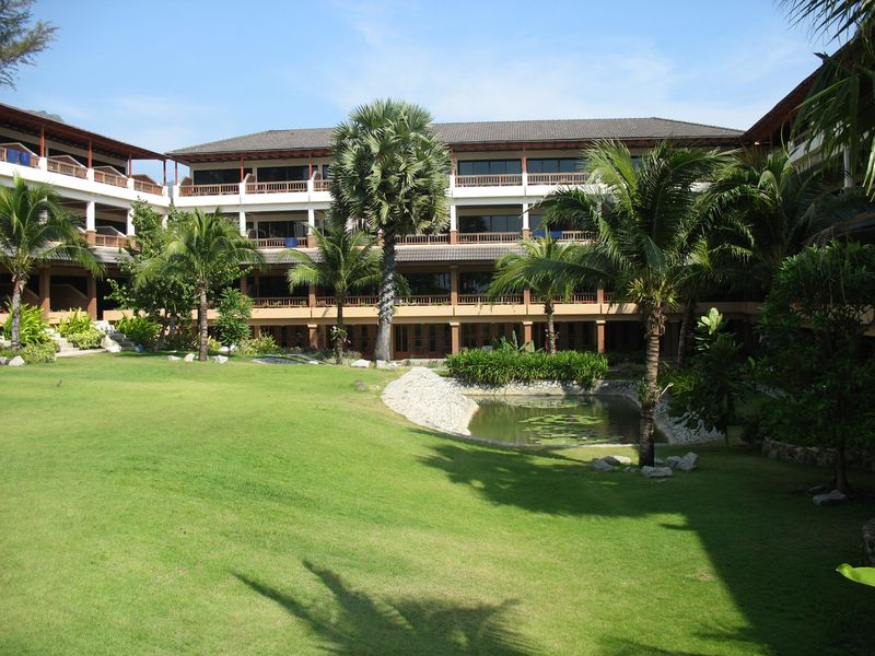 Hotel Sunprime Kamala Beach & Resort