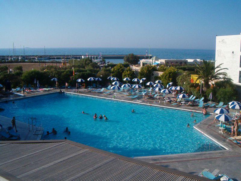 Hotel SunConnect Marina Beach