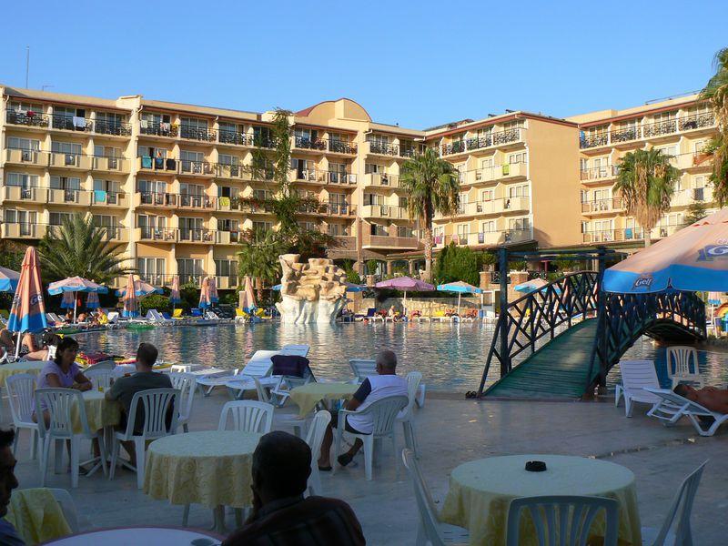 Hotel Corolla
