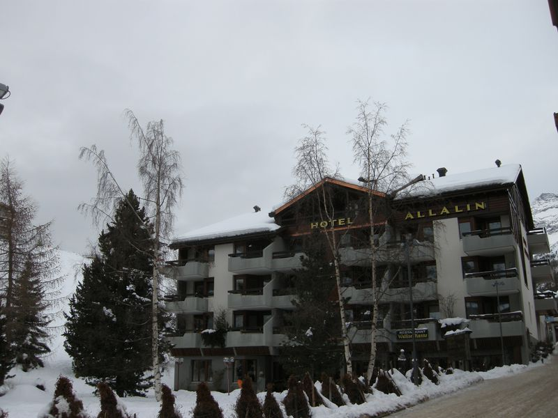 Aparthotel Allalin