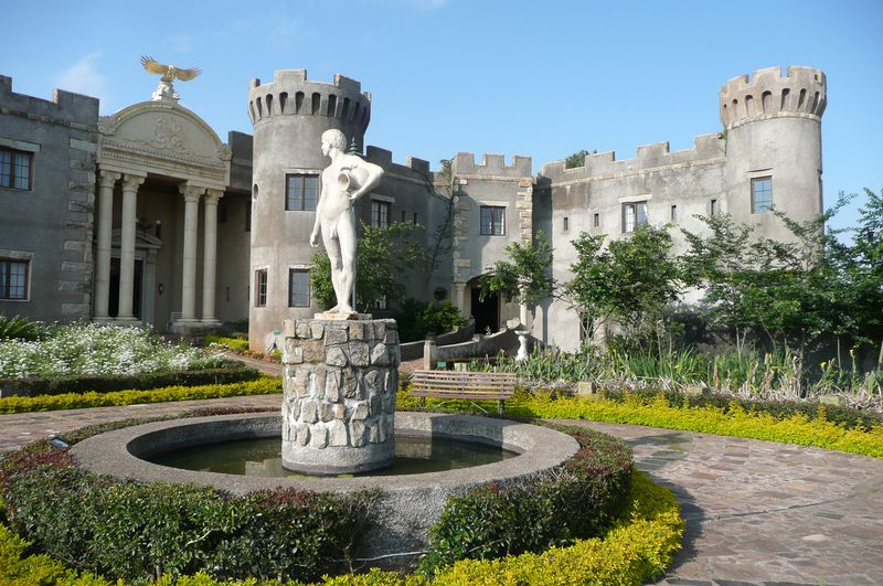 Kasteel Flycatcher Castle