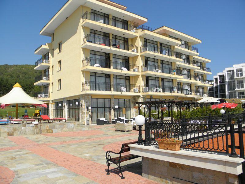Aparthotel Caesar Palace Beach