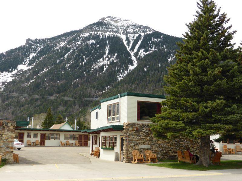 Hotel Bear Mountain Motel
