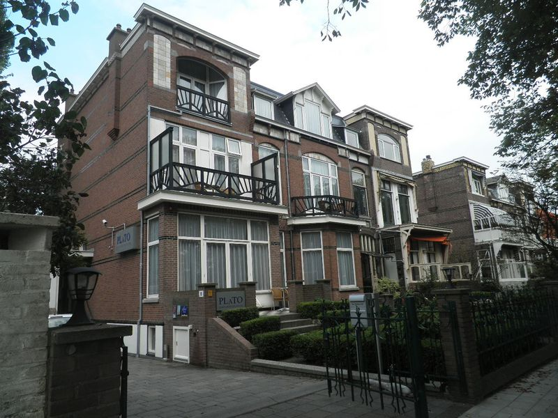 Aparthotel Plato